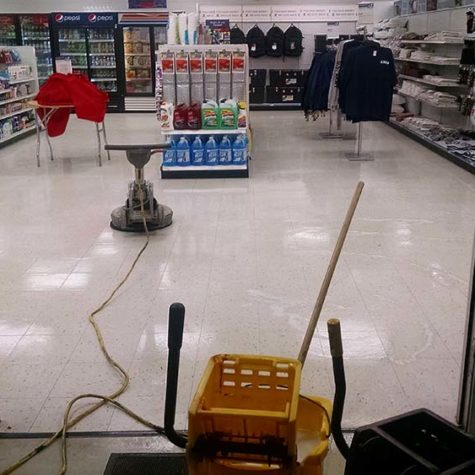 Commercial Retail Space Tile Cleaning